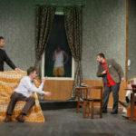 Cina cu prosti … la Teatru (Foto)
