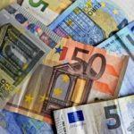 Cursul euro, peste 4,67 lei