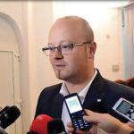 Guvernul taie adânc în bugetul orașului, spune primarul