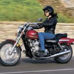 Permisul pentru categoria B va permite şi conducerea unor motociclete