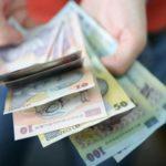 Salariul minim ar putea crește din vară cu 600 de lei