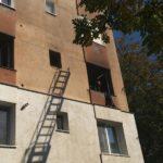 Panica într-un bloc. Zeci de persoane evacuate (Foto)