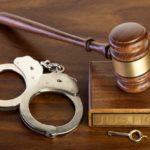 Femeie trimisa în judecată ! Și-a furat angajatorul ! Prejudiciu de sute de mii de lei !
