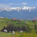 """Drumul spre satul care """"atinge"""" cerul (Foto)"""