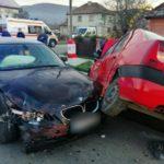 Accident cu un ranit si doua masini distruse (Foto)