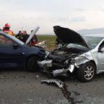 Accident cu doua victime. Doua mașini făcute zob (Foto)
