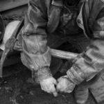 Ortac lovit în cap de o bucata de cărbune. Victima, la spital