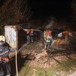 Casa distrusa de flăcări. Focul a mistuit tot (Foto)