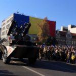 Parada militara impresionanta la Cluj-Napoca. Mii de participanti (Foto)