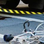 Biciclist calcat de o masina. Nu a mai avut nicio sansa