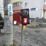 Semafor cu susul în jos, pe o strada din Bistrita (Foto)