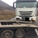 Trei camioane și o dubița, implicate într-un accident. Drumul Cluj-Oradea, blocat (Foto)