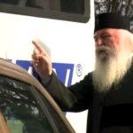 Biserica se implica si in dirijarea circulatiei. Ce a facut un mitropolit ? (Foto)