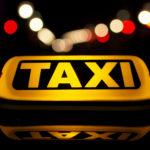 Taximetrist amenintat si palmuit de clienti