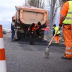 Se asfalteaza drumul spre Amati !