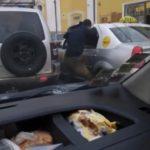 Scandal cu pumni in trafic. Doi soferi s-au luat la bataie (Foto)