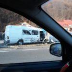 Accident cu trei victime. Trafic restrictionat (Foto)