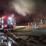 Incendiu devastator ! Au ars 6.000 de metri patrati ! (Foto)