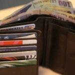 A returnat un portofel cu bani, acte și carduri