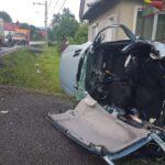 Trei victime, doua mașini distruse (Foto)