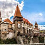 Peste 3.600 de vizitatori, de Rusalii, la Castelul Corvinilor