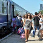 Elevii și studenții, gratuit cu trenul spre litoral