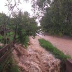 Ploi torentiale în doua localitati din Bistrita-Nasaud (Foto)