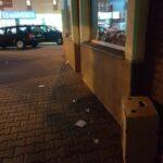 Străzi pline de gunoaie