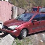 Trei oameni răniți într-un accident