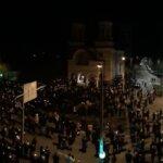 Mii de credinciosi au luat Lumina de la bisericile din Bistrita